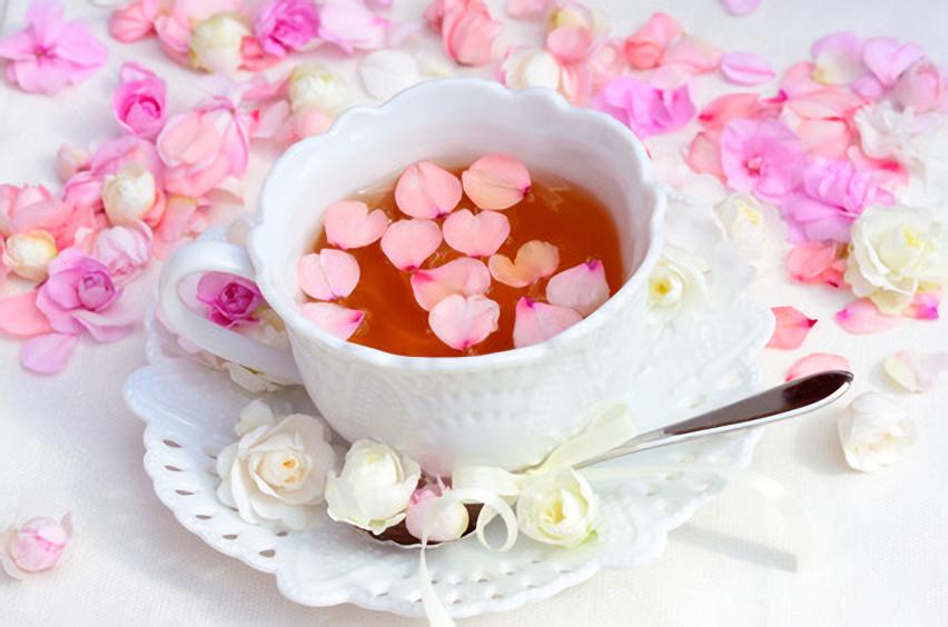 紅茶と花びら
